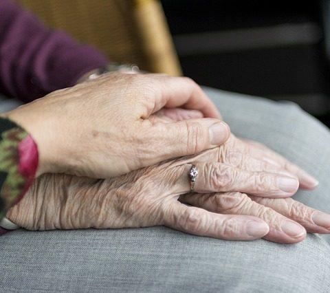 handen-support-eenzaamheid